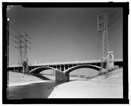 First_Street_Bridge,_Spanning_Los_Angeles_River_at_First_Street,_Los_Angeles,_Los_Angeles_County,_CA_HAER_CAL,19-LOSAN,76-47